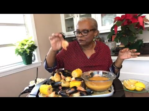 HOW TO MAKE SEAFOOD FRIDAY JUMBO SHRIMP BOIL * MUSSELS * CAJUN SAUSAGE | RECIPE