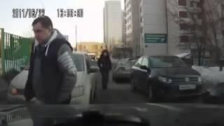 Баба за рулем! Ржач!.mp4