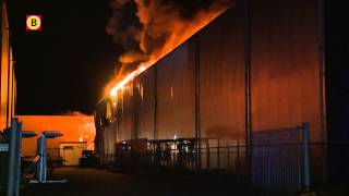 Zeer grote brand bij Debecom in Waalwijk