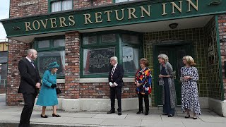 video: The Queen returns to Coronation Street for the first time in nearly 40 years