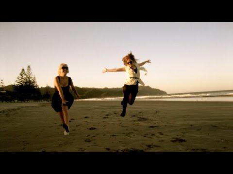 Клип Minuit - Aotearoa