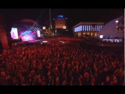 """19. Queen & Adam Lambert """"The Show Must Go On""""(Live In Kiev)"""
