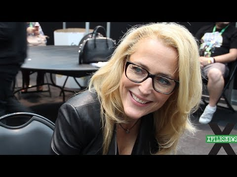XFN s: Gillian Anderson at XFiles NYCC 2017