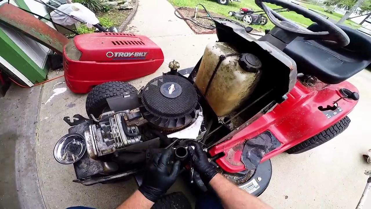 Removing Carburetor Briggs & Stratton 17.5 hp Engine ...