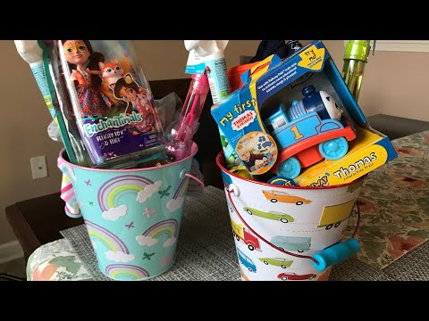 WHAT'S IN MY KIDS EASTER BASKETS!   2018