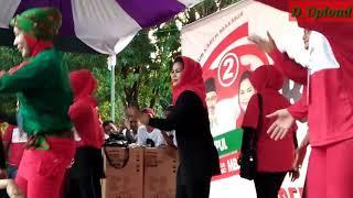 Video Mbak Puti, Warga Sumenep Goyang Kabeh Sedulur download MP3, 3GP, MP4, WEBM, AVI, FLV Oktober 2018