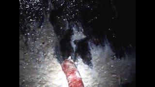 Чистка колодца(После двух лет постоянного выкачивания воды из колодца решили почистить его. Залез в колодец и ... смотрите..., 2014-03-06T12:59:18.000Z)