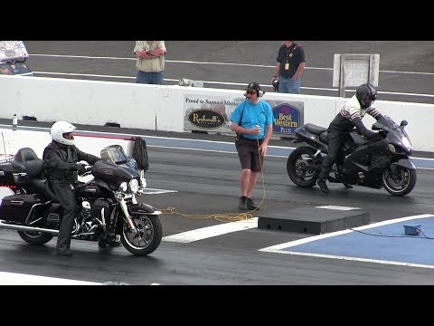 The difference between Harley Davidson and Hayabusa - drag race