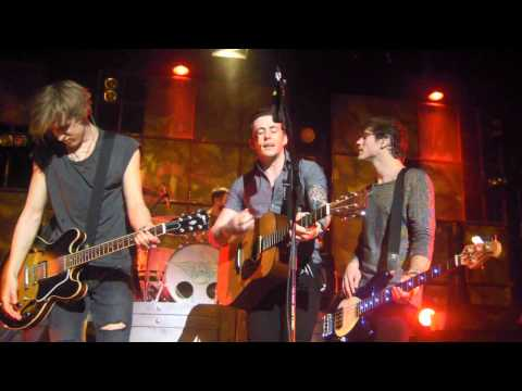No Worries - McFly (Live) (HQ)