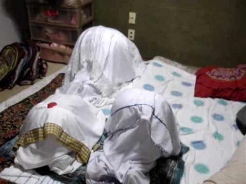Image result for ibu solat dengan anak