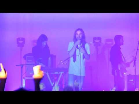 tame-impala-yes-im-changing-live-zenith-paris-2016-jeremysoundmusic
