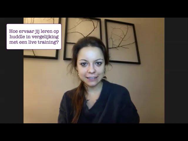 Chloë vergelijkt een live training met een online training in onze Ennea Community