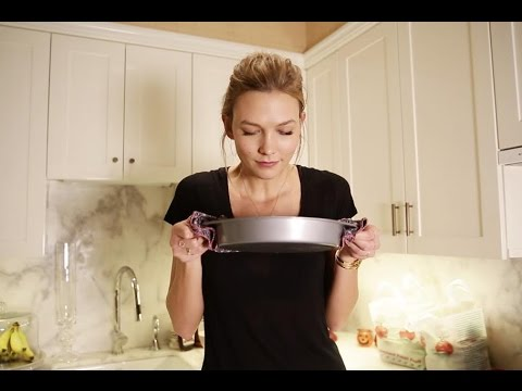 Making Apple Krisp + My Favorite Things About Fall | Karlie Kloss