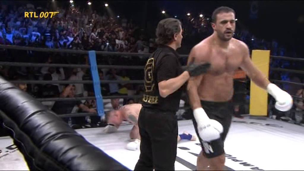"BADR ""THE BAD BOY""  HARI DESTROYS PETER ""THE EXPIRED"" GRAHAM AT GFC"