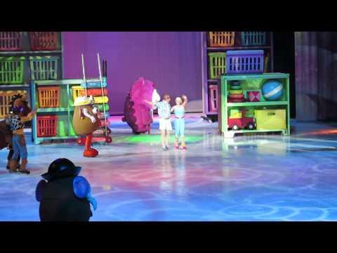 Disney on Ice Worlds of Fantasy: Toy Story 3 [woody]