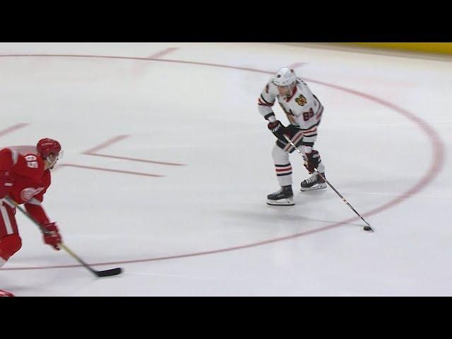Patrick Kane extends point streak to 19 games