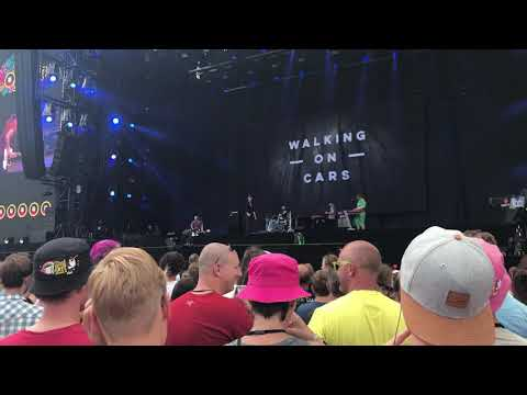 Walking on cars NEW song - Coldest water live at Pinkpop 16-06-2018 Mp3