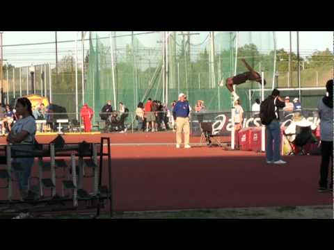 "Noel Frazier attempt at 7'1"" - High School Junior"