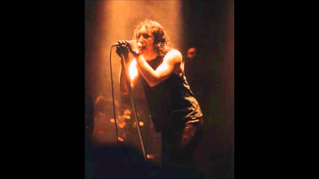 Nine Inch Nails - The Becoming (live) - YouTube