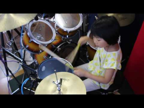 『Immigrant Song』Led Zeppelin /7year old drummer