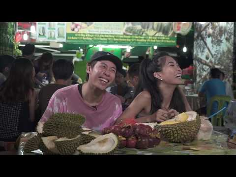 Bloopers: How People Eat Durian