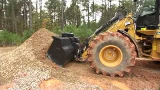 Cat® Small Wheel Loaders | Operator Techniques and Tips