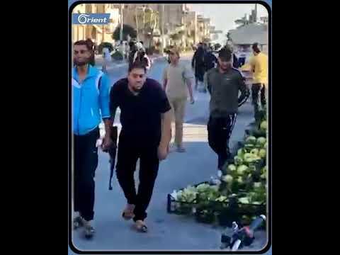حشود من أبناء عشائر دير الزور تجبر شرطة مدينة الباب على إطلاق سراح امرأة من دير الزور اعتقلتها اليوم  - 18:55-2021 / 9 / 24
