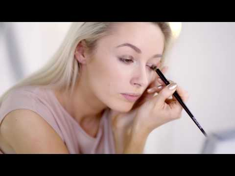 Beauty EDIT | Long-Lasting Make Up with Josie Fashion Mumblr