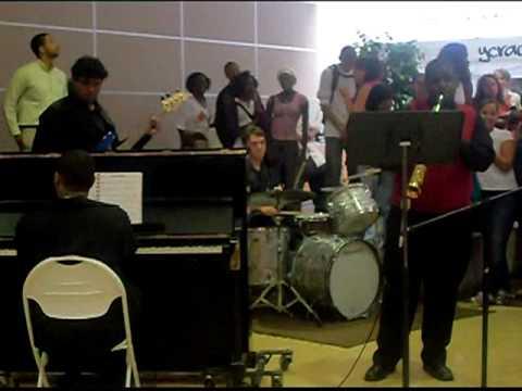 Music Club Performance at Club Fair 2009