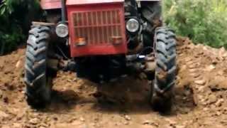 Traktor Avia 30 4x4 kopec hliny