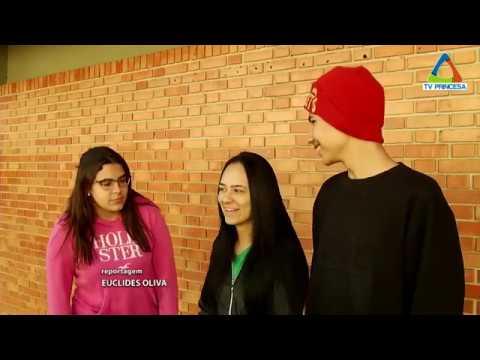 (JC 12/06/18) Escola Industrial cria varal solidário para arrecadar e doar agasalhos