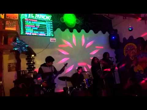 Baixar Rock en vivo Noches cusqueñas en el Papacho Bar Karaoke Achachau & La Tia May II