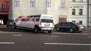 Лимузин разворачивается. Москва