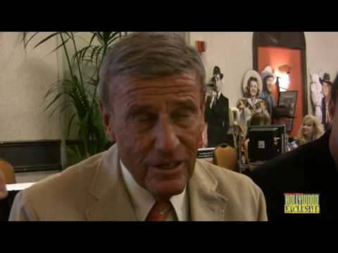 "Richard Anderson, "" Hollywood Exclusive"" interview"