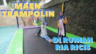 Download Video Cut Meyriska - Maen Trampolin Di Rumah Ria Ricis #Part1 MP3 3GP MP4