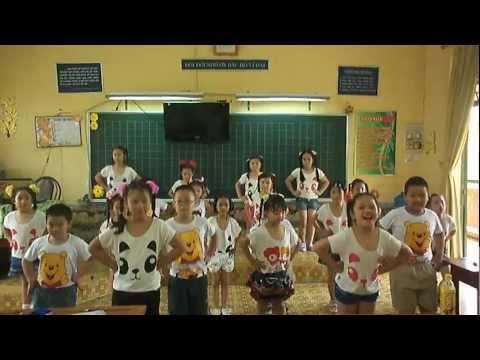 múa dân vũ 3 con gấu của lớp 2-2 Võ Thị Sáu