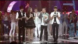 (July 18, 2O1O) Taeyang wins on Inkigayo (appearance by  2NE1 & TOP)