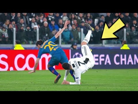 When Players Can't Stop Cristiano Ronaldo... they do this 😡