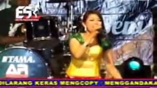 Live Dangdut Koplo Scorpio 2015 ★ Mia Dian Kurnia ★ Lingsir Wengi