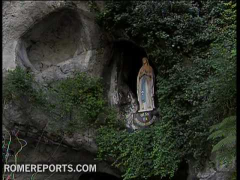 The story of the apparitions in Lourdes