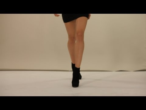 How to Walk on a Runway | Modeling thumbnail