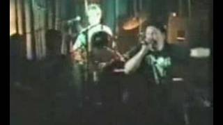 Play Runnin' Riot (Live)