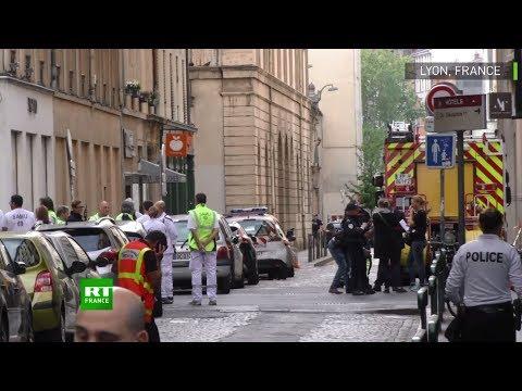 Lyon : des blessés sont évacués après l'explosion