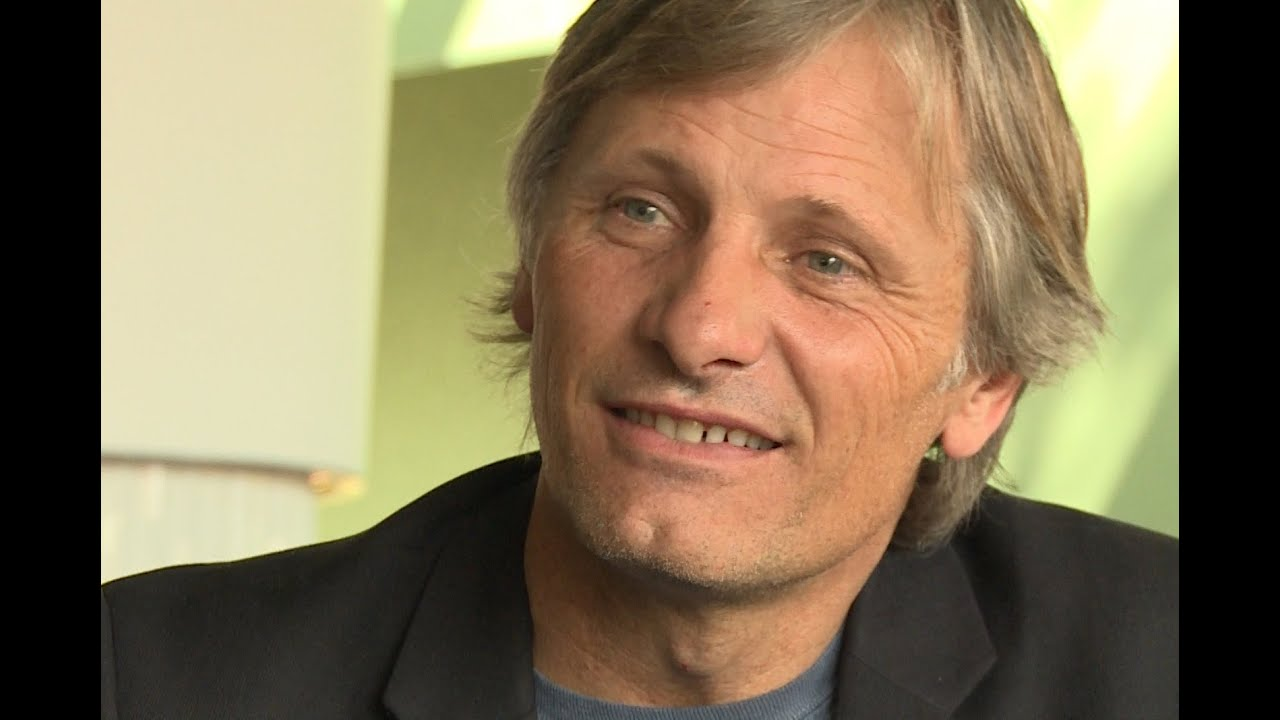 viggo mortensen singing