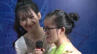 Tú Vi bất ngờ rời ghế giám khảo ôm chầm lấy cô gái mặt lưỡi cày, khuyết xương khóc nghẹn ngào