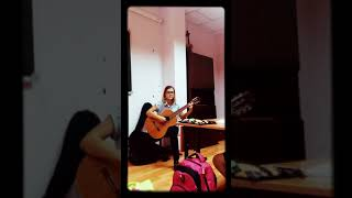 "Игра на гитаре песня ,,Такси туда и обратно"""