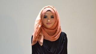 Hijab Tutorial Style 56 by Puteri Hasanah Karunia Thumbnail