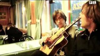 Mando Diao - Dance With Somebody live (acoustic) in der Pizzeria