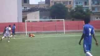 Paul Bella Ntonga  jeune footballeur en formation