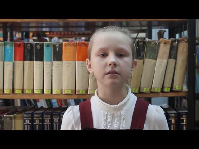 Изображение предпросмотра прочтения – СофьяПорсева читает произведение «Мартышка и очки» И.А.Крылова